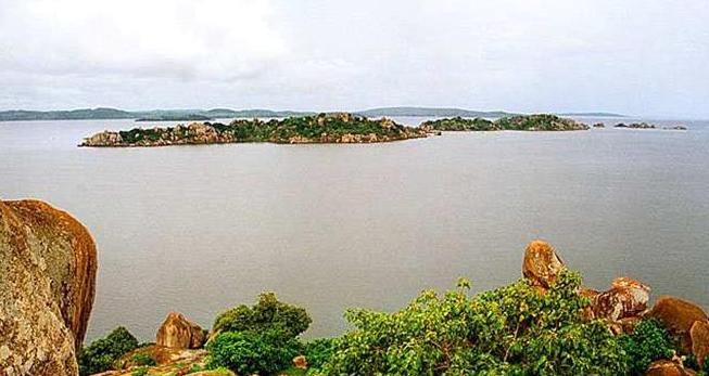 Озеро Вікторія в Африці - друге за величиною в світі