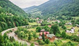 Сільський зелений туризм в Україні та закордоном. Переваги та недоліки