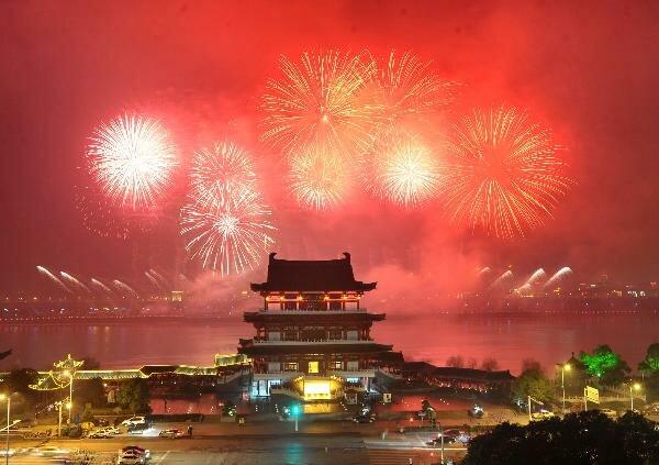 У світі святкують настання китайського традиційного Нового року