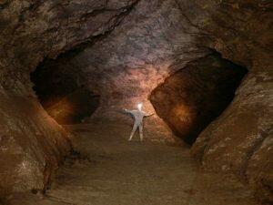 Печера Еміль Раковица - дивовижне творіння природи [draft]