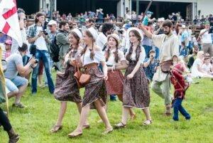 Народні традиції і звичаї Молдови [draft]